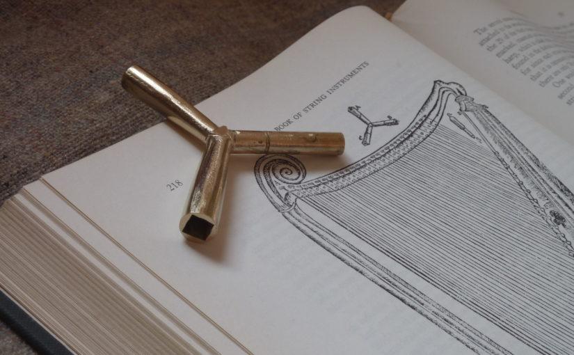 Triple harp tuning key